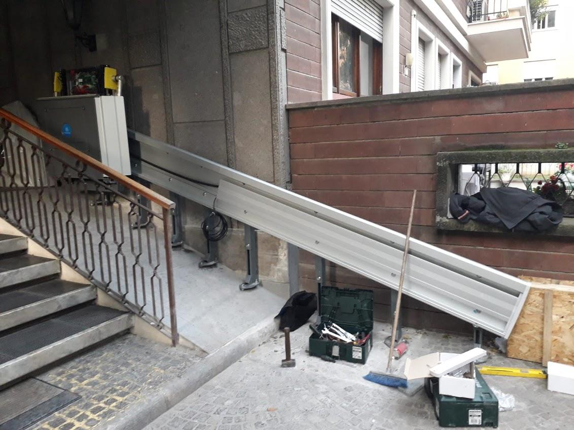 Automatismi per persone diversamente abili a Roma e provincia - scale mobili esterne per disabili - montascale per disabili